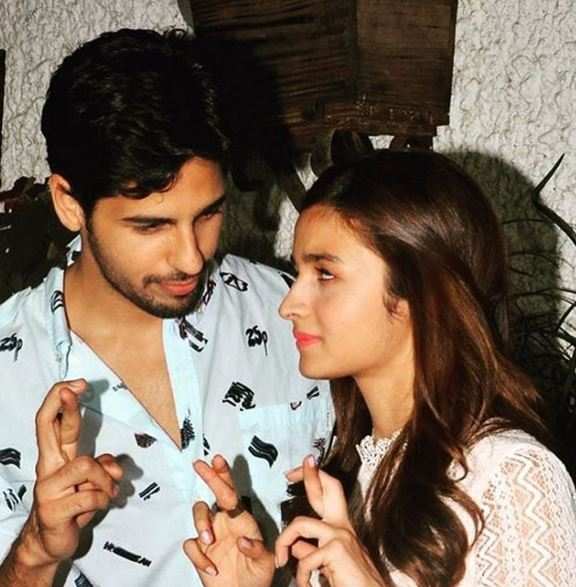 Kapoor & Sons: Strikes all the right notes