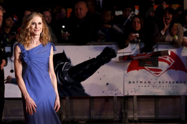 Hollywood: In Pics: Stars showcase Hollywood glamour at 'Batman v Superman' premiere