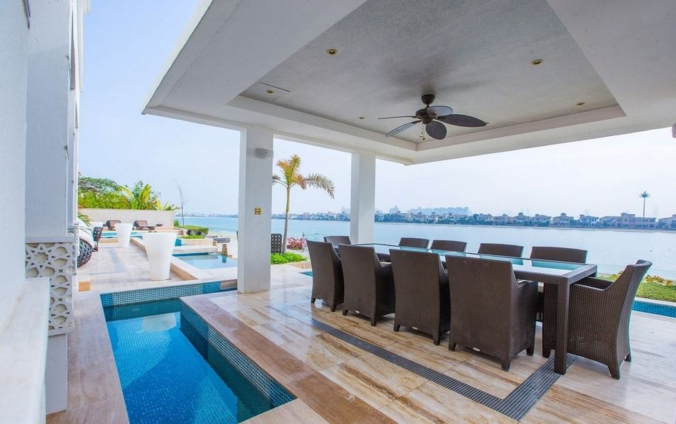 OMG: In Pics: Inside the AED65 million villa that lets you swim under the lounge