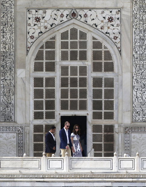 World News: IN PICS: In Princess Diana's footsteps, William and Kate visit Taj Mahal
