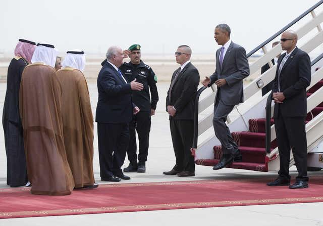 KSA: In Pics: Obama arrives in Saudi Arabia for talks with Gulf leaders