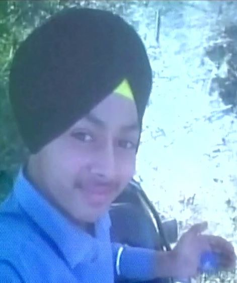 India: 15-year-old boy who shot himself while taking 'selfie' dies