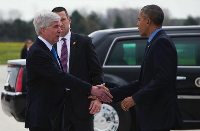 Obama visits Flint