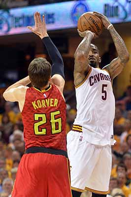 Cavs sink Hawks with 25 3-pointers