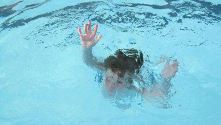 Kuwait Three Egyptian Children Drown While Swimming In Pool