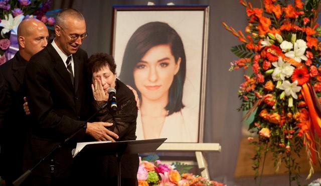Celebs: Slain singer Christina Grimmie remembered in New Jersey