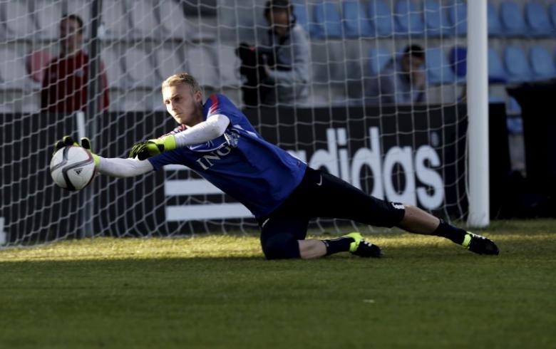 Barcelona signs Dutch keeper Cillessen from Ajax Amsterdam