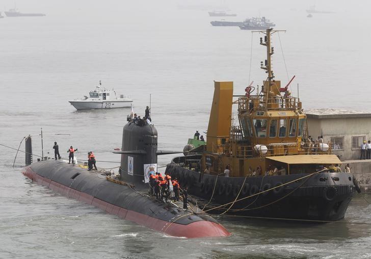 France, India play down submarine data leaks risk