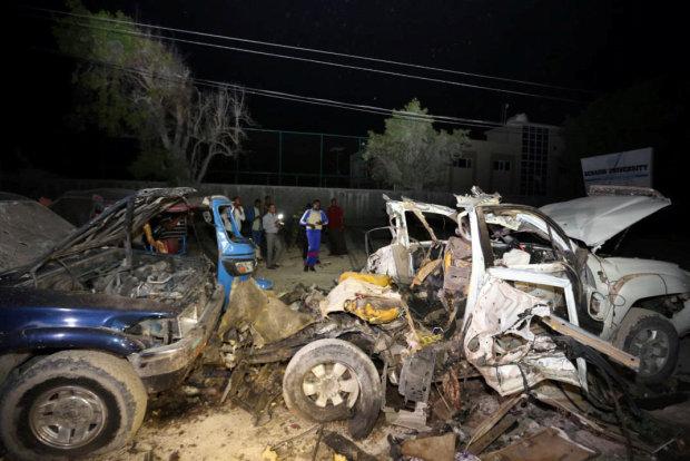 Seven killed in Mogadishu beach restaurant attack