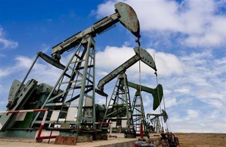 Oil prices fall as Saudi Arabia dampens prospects of output freeze