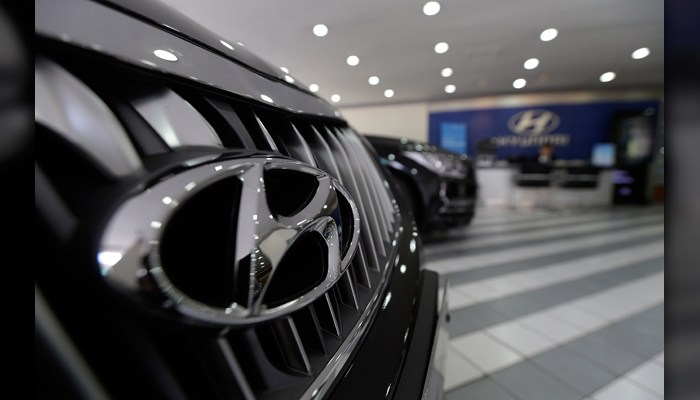 Hyundai recalls SUVs; software flaw may stop acceleration