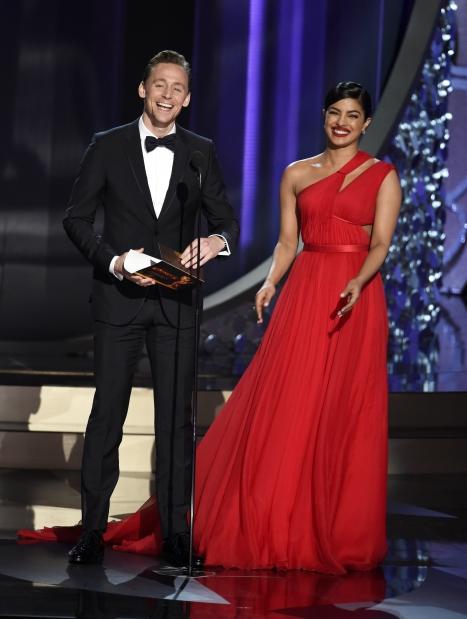 Tom Hiddleston and Priyanka Chopra get 'flirty' at post-Emmy party