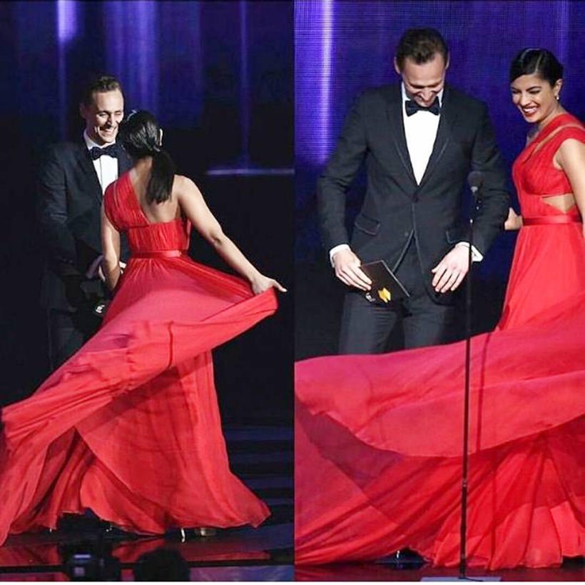 TV: Emmys: Priyanka Chopra and Kit 'Jon Snow' Harington pose for photos