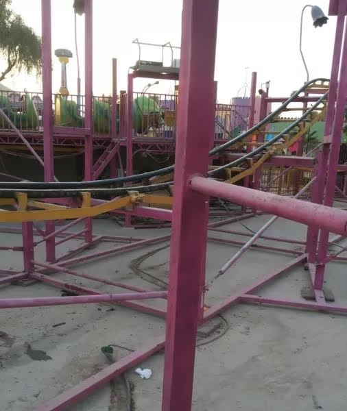 Man in critical condition after falling off amusement park ride