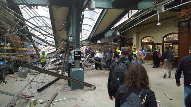 At least three die in US train crash