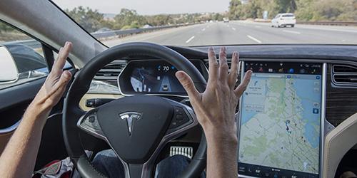 Tesla rear-ends bus in Germany