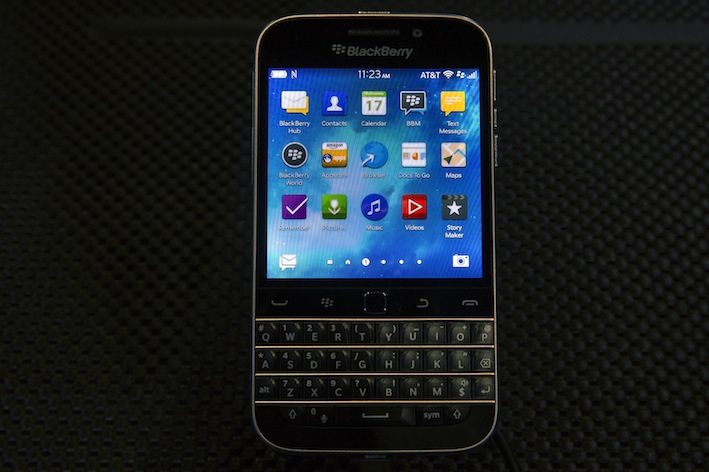 BlackBerry lesson: Adapt or die in the Internet age