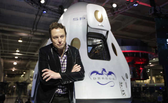 SpaceX's Musk turns to science fiction for Mars ship