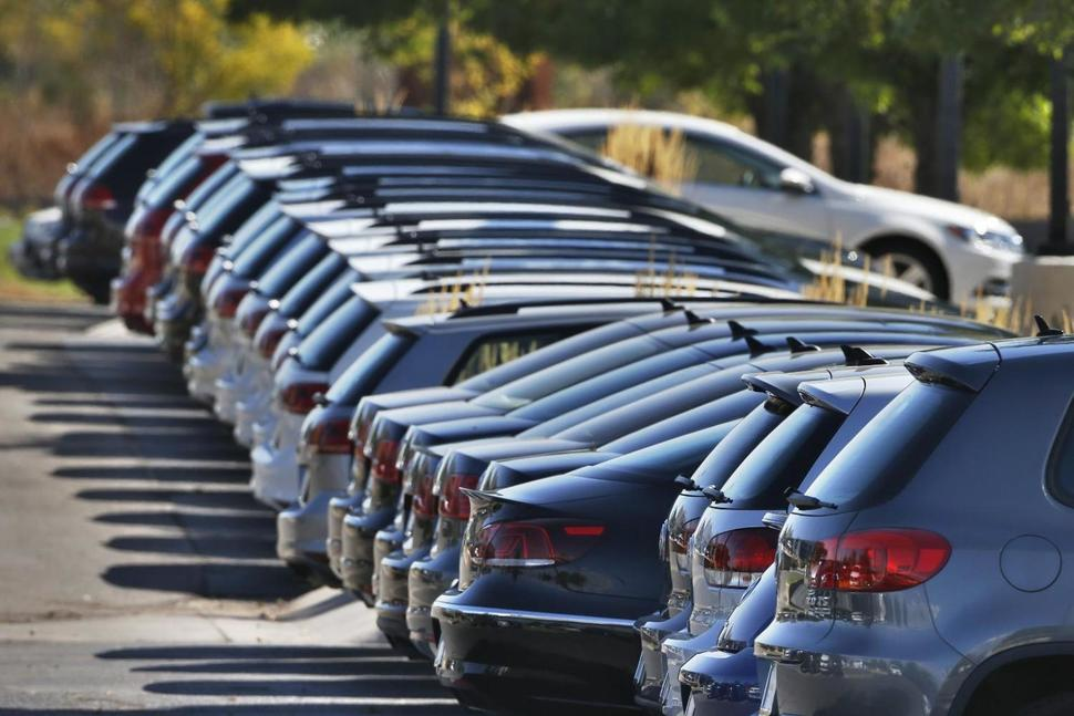 Automakers report mixed US sales results in September