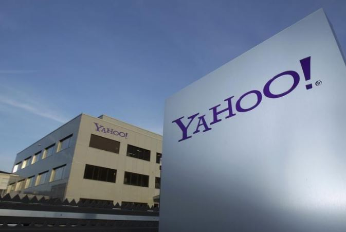 Yahoo spied on users' emails for US intelligence agencies, says report