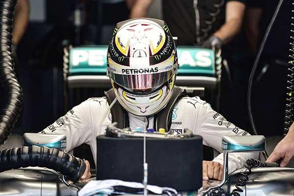 Hamilton needs Suzuka 'hat-trick' to revive hopes
