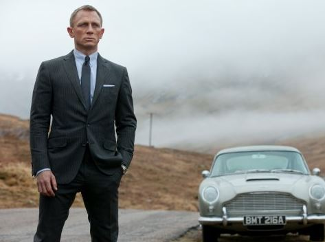 Naomie Harris wants Daniel Craig to return as Bond