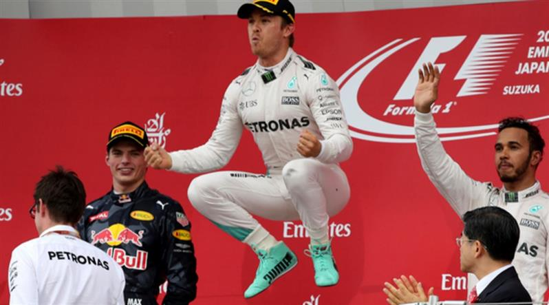Japanese GP: Rosberg wins to widen lead over Hamilton