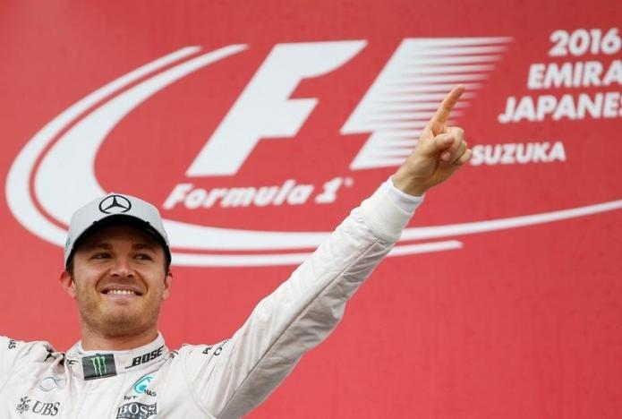 Rosberg keeps celebrating despite closing in on title