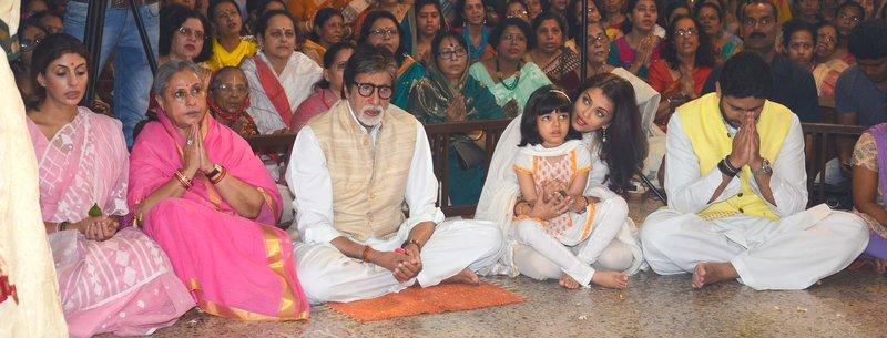 Amitabh Bachchan, Aishwarya and family together celebrate for Durga Puja