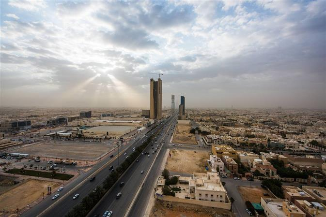 Saudi starts roadshow for 1st global bond issue