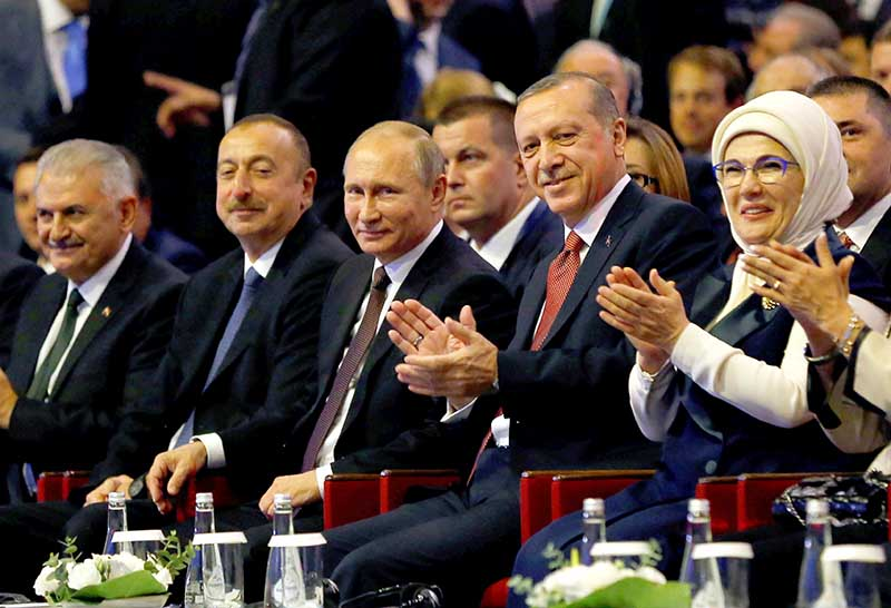 Turkey-Russia sign accord to build undersea pipeline