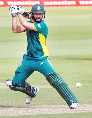 South Africa see off Warner blitz
