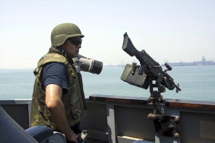 U.S. military strikes Yemen after missile attacks on U.S. Navy ship