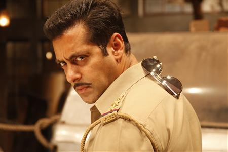 Salman recreates 'Dabangg' magic for B'wood Parks
