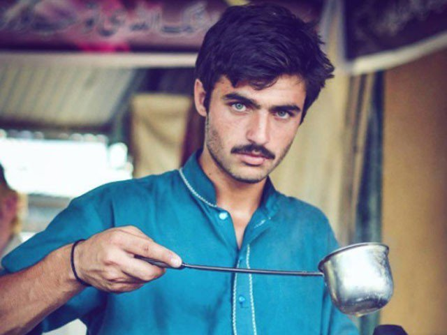 This handsome tea vendor in Pakistan is the new internet sensation