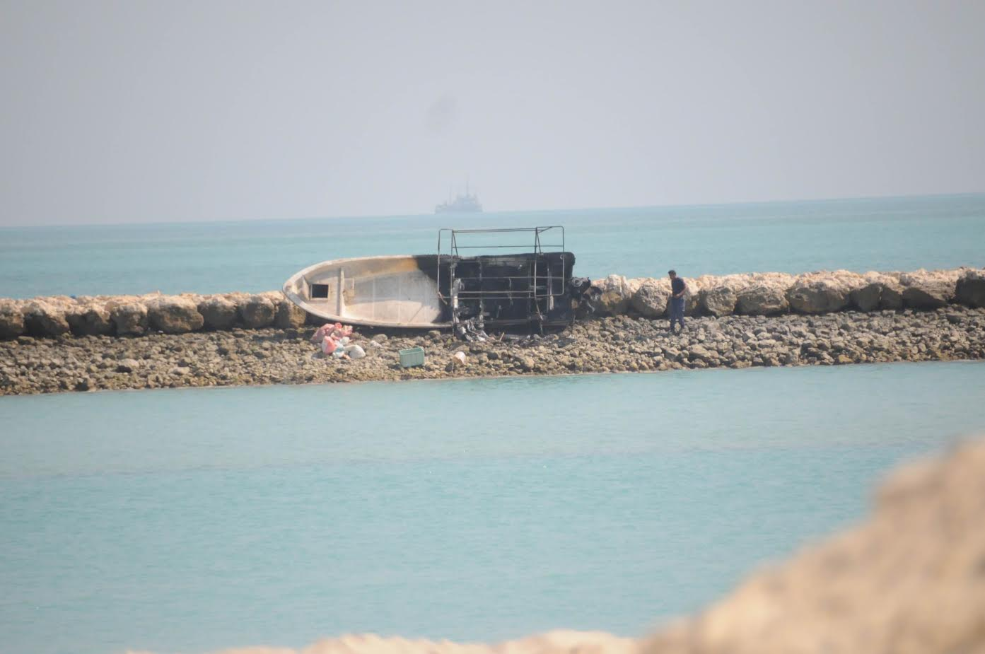 Boat went up in flames in Amwaj Islands