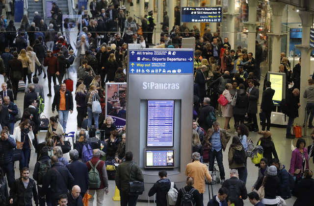 Channel Tunnel traffic resumes after power shutdown