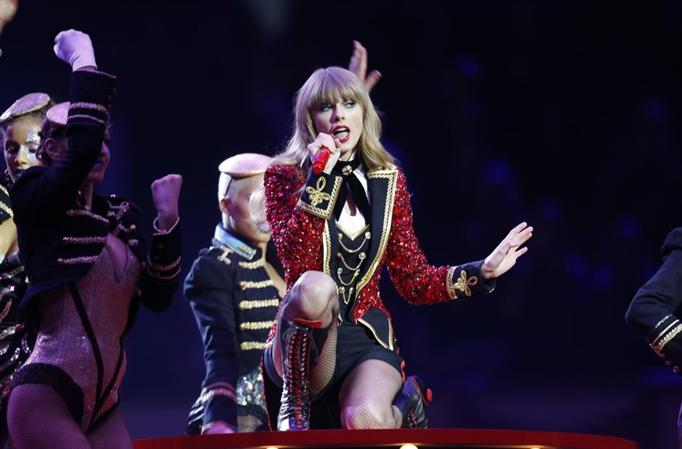 A dose of Taylor Swift, title chase spice up US Grand Prix