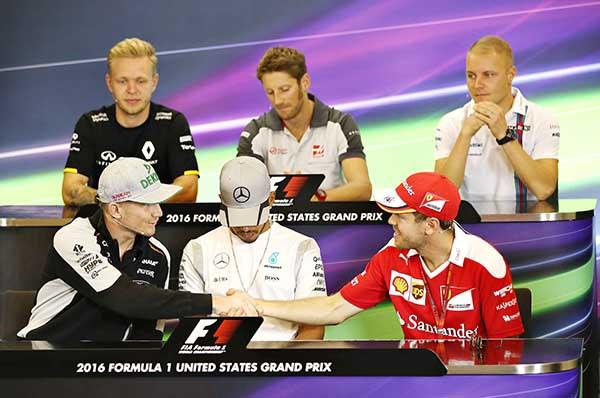 Hamilton chasing Rosberg at US GP