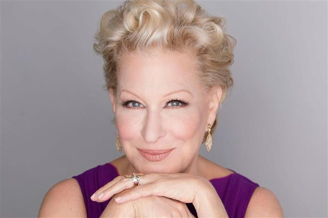 I look at social media as entertainment: Bette Midler