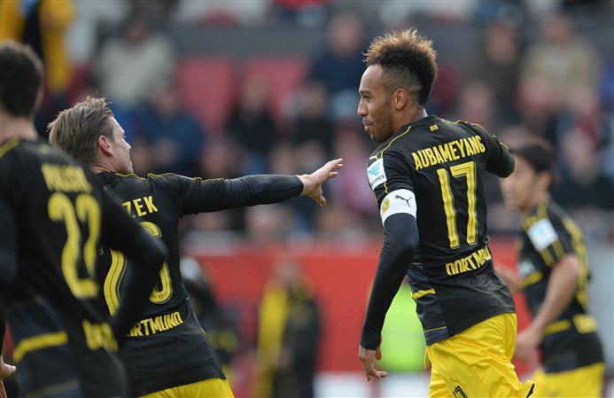 Borussia Dortmund slips, Hertha Berlin soars in Bundesliga