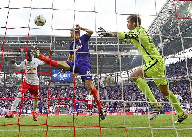 Two-goal Keita lifts Bundesliga newcomers Leipzig to second