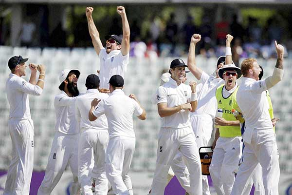 STOKES SEALS ENGLAND WIN
