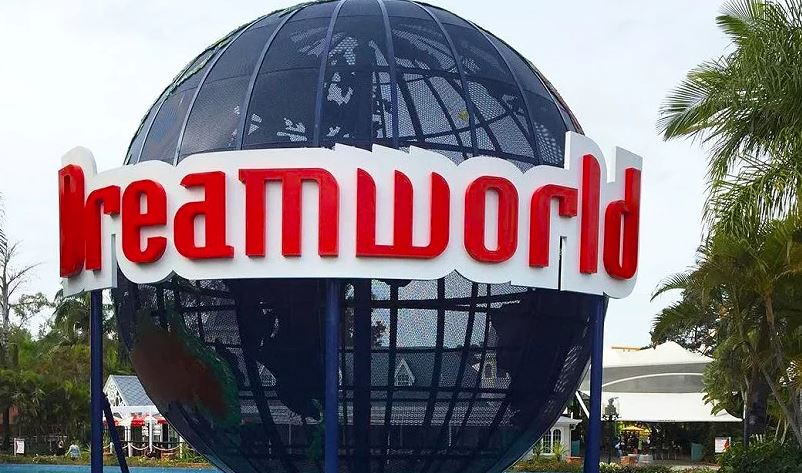 Four critically injured in Australian theme park accident