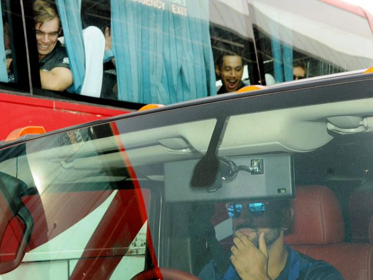 PHOTO: New Zealand players' jaws dropped looking at Dhoni's car
