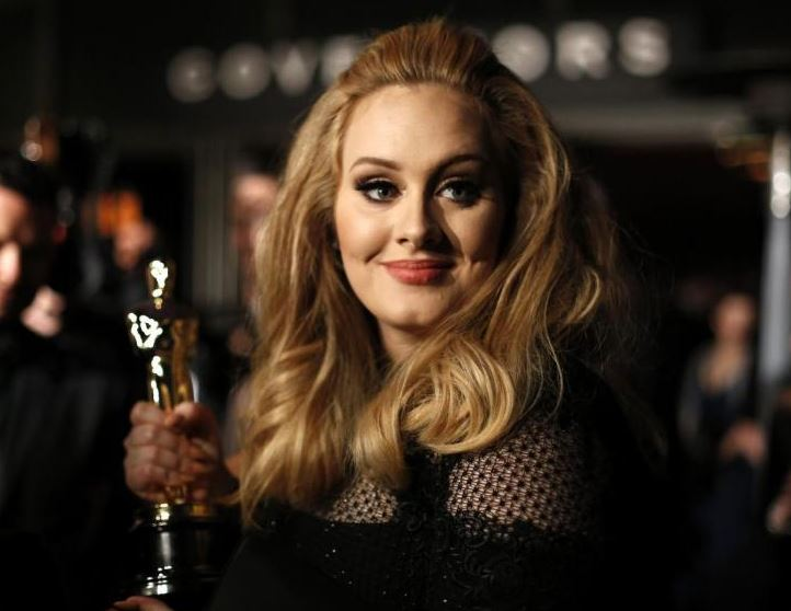 Bruno Mars: Adele is a superstar