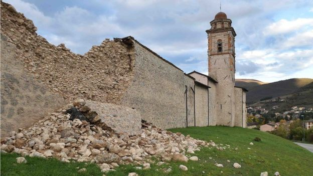 Quakes damage historic Italian towns