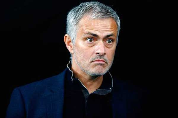 Mourinho and Moyes charged with misconduct