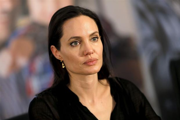 Angelina Jolie interviewed for four hours by FBI