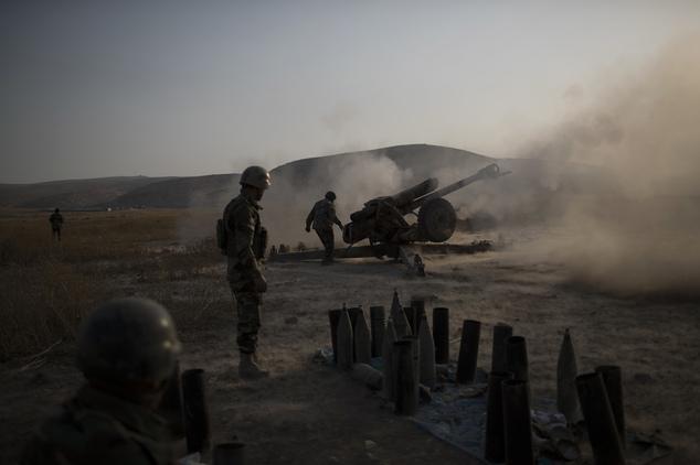 Iraqi forces advance as mass grave found near Mosul